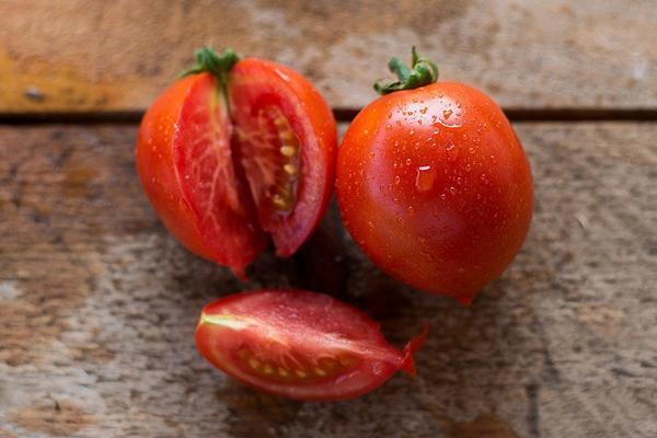cà chua là thực phẩm người huyết áp thấp không nên ăn