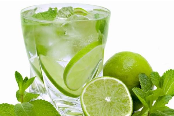 nước chanh là thực phẩm cho người bệnh huyết áp thấp