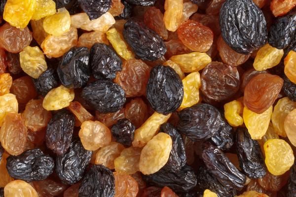 nho khô là thực phẩm cho người bệnh huyết áp thấp