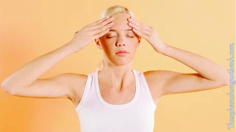 + Khi bắt gặp các triệu chứng bệnh như đau đầu, chóng mặt hay mất thăng bằng...Bạn nên dừng các hoạt động mà mình đang làm. Để dành thời gian nghỉ ngơi để giúp cơ thể lấy lại sự cân bằng ban đầu.